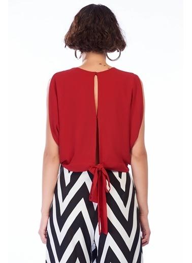 İroni Sırt Yırtmaçlı Krop Şifon Bluz Kırmızı